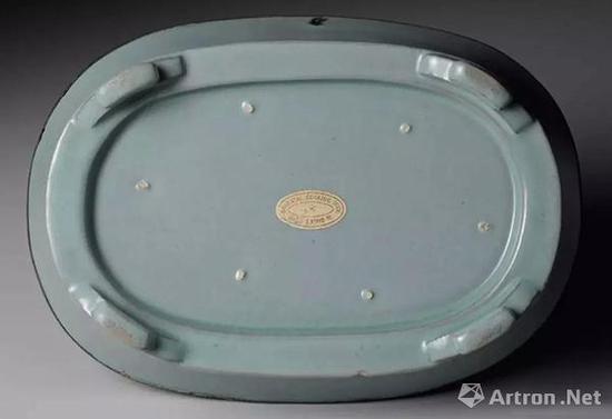 北宋汝窑天青釉水仙盆 高 5.6cm 宽 22.0×15.5cm 重 656g