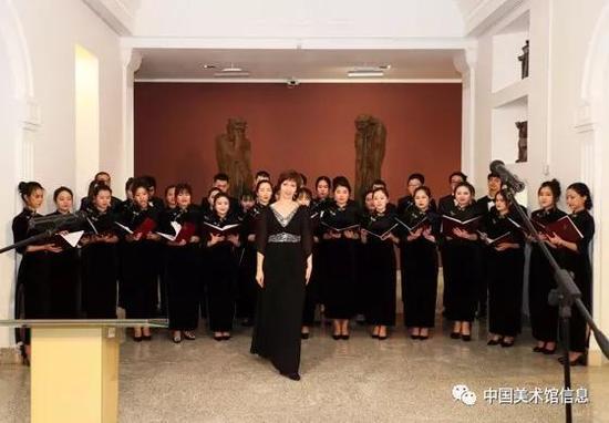 白俄罗斯国立文化艺术大学合唱团现场表演