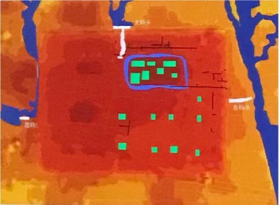 大莫角山上及莫角山顶面平台发现多处排列整齐的大型房址