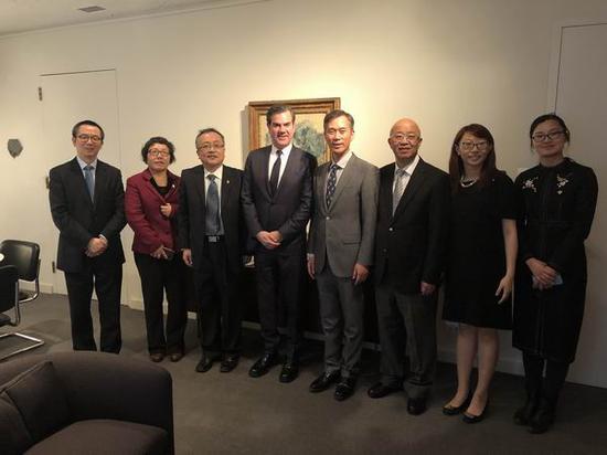 故宫博物院、芝加哥艺术馆、上海博物馆代表团(从左至右)出席开幕活动