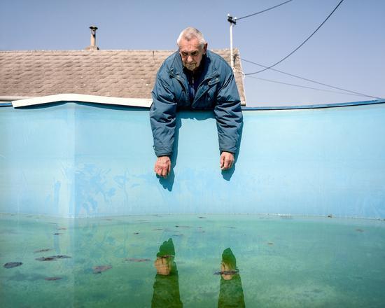 选自Middle Class Utopia系列,Klaus Pichler摄