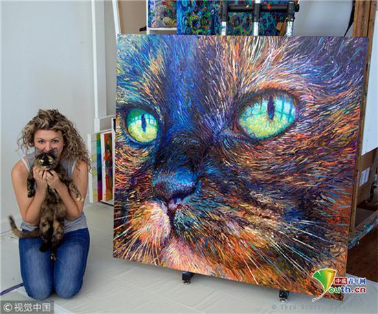 2010年,26岁的Iris Scott开始尝试用手指作画,在那之后便一发不可收拾。