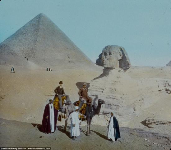 1895年的埃及,巨大的金字塔和狮身人面像