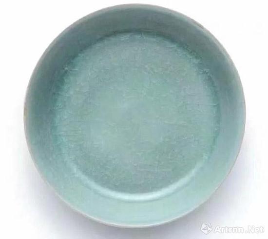 北宋 汝窑天青釉洗 成交价:2.943亿港币 香港蘇富比 2017-10-03