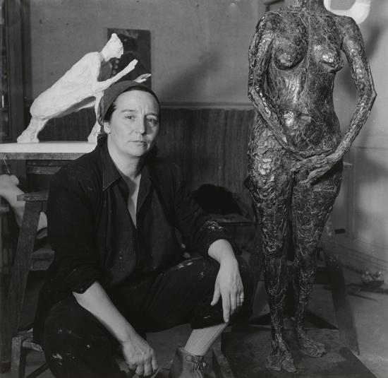 Emmy Andriesse镜头下的日耳曼娜・里奇耶。图片:致谢纽约现代艺术博物馆