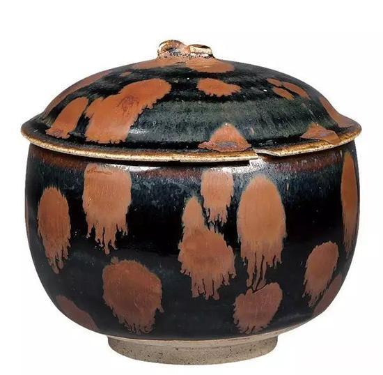 金代 黑釉褐斑柿蒂钮盖罐