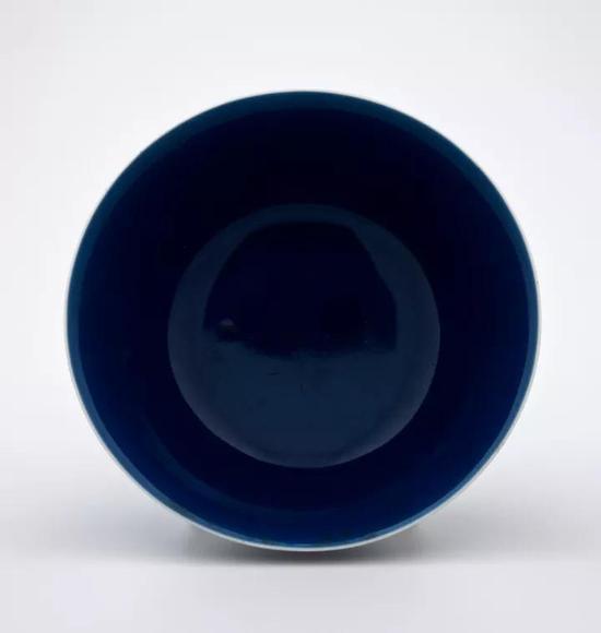 清 乾隆霁蓝釉小杯印第安纳州立美术馆藏