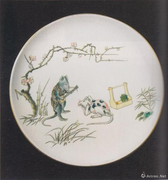 "Manufacture Jules Vieillard & Cie, Platewith Mice Playing Music, from the Service ""Souris"", c。 1880, faience fine with enamel decoration in relief, dim。 22.5cm, Musée des Arts décoratifs et duDesign, Bordeaux, p。 136"