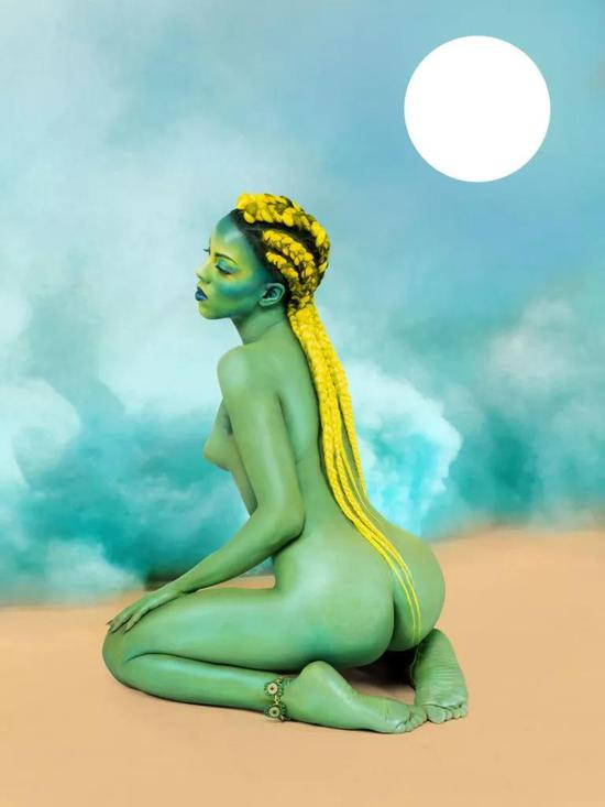 Juliana Huxtable, 《Untitled in the Rage (Nibiru Cataclysm)》,2015。图片:Courtesy of the Solomon R。 Guggenheim Museum,New York;?Juliana Huxtable