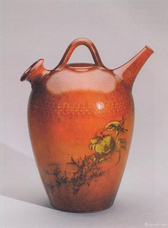 Albert Robert Valentien ( decorator ) / The Rookwood Pottery Company, Spanish Water Jug, 1885, stoneware, mahogany glaze, h。 21 xdim。 18.4cm, Philadelphia Museum of Art 125th Anniversary Acquisition, p.153)