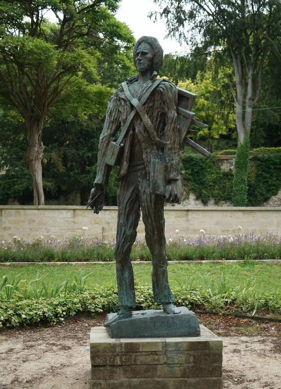 奥维尔又名梵高小镇,是巴黎省巴黎瓦兹河畔的一座小镇。