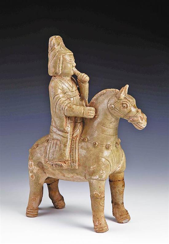 唐湘阴窑骑马吹笳青瓷俑