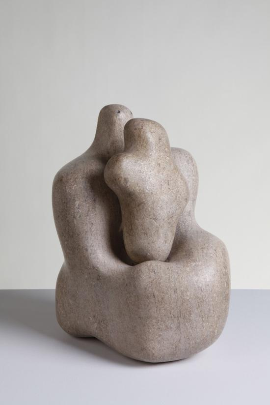 芭芭拉・赫普沃斯,《母与子》(Mother and Child),1934。图片:致谢The Hepworth Wakefield (Wakefield Council Permanent Art Collection)