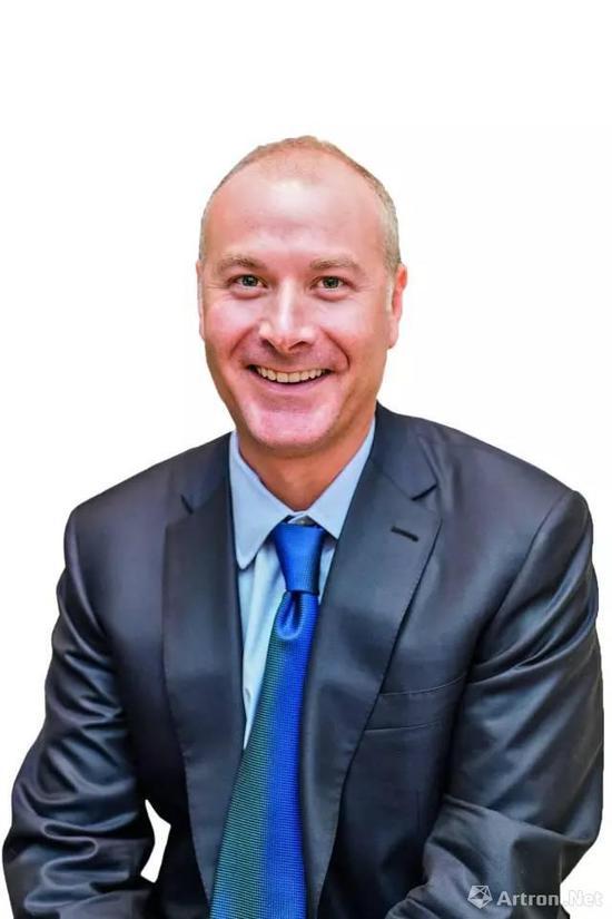 2017年2月,大卫·施拉德尔就任苏富比当代艺术私洽交易业务主管