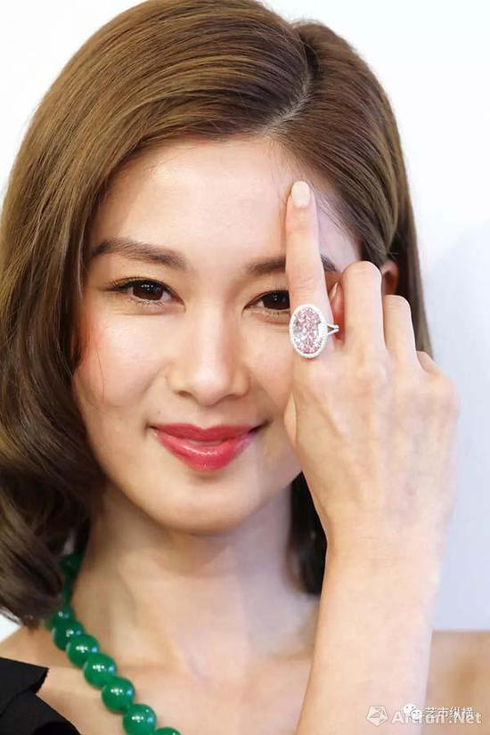 """THE PINK PROMISE""的14.93克拉鲜彩粉红色VVS1 ( TYPE IIA ) 钻石戒指  香港佳士得2017年秋季拍卖会"