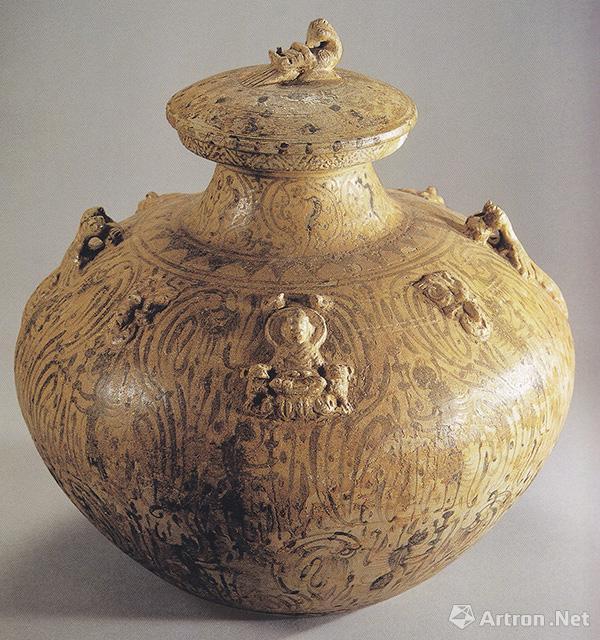 三国东吴末期青釉褐彩盘口壶,1983年南京市雨花台长岗村出土,现藏于南京市博物馆
