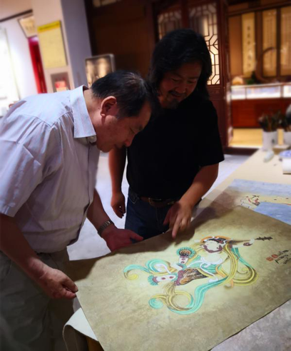 张威与画家黄有为对谈
