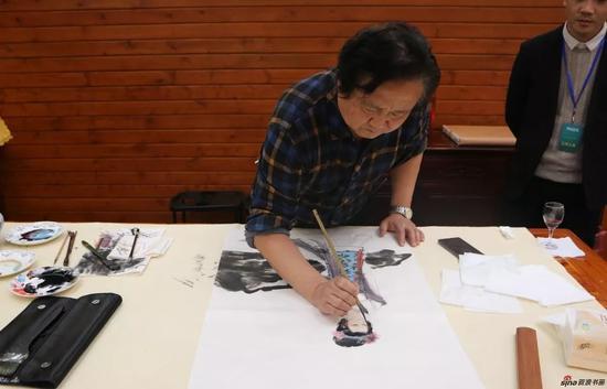 江苏省中国画学会副会长 张广才现场创作