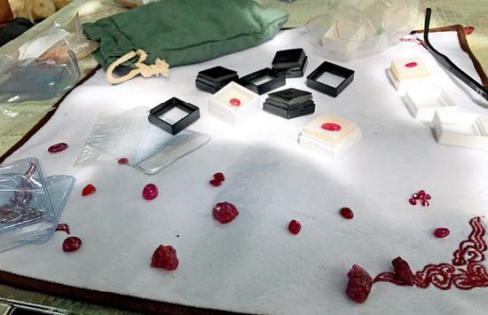 元江红宝石的晶体