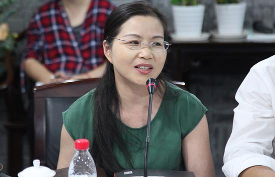 宁波大学潘天寿艺术设计学院副院长狄智奋教授发言