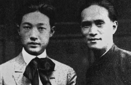 """徐悲鸿与黄曼士的""""订交照""""1920年代摄"""