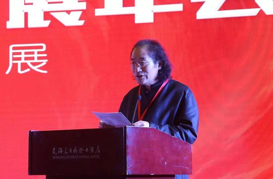 中国工艺美术大师、河南应文玉文化研究院院长仵应文