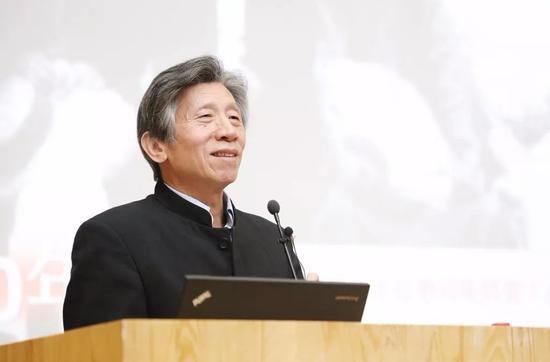 中央美术学院院长范迪安在新闻发布会致辞