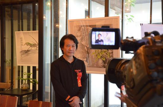 陈石松接受媒体采访