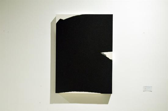黙吟(Poetry with Silence)金政煥 Chinese Ink and Silica Sand on Korean Paper mounted on Canvas 91cm x 65cm 2016年