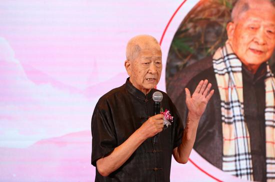 中国工艺美术大师王习三现场发表感言