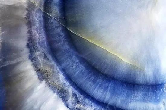 黄色针铁矿表明蓝宝石未经加热优化   视域:4.79mm