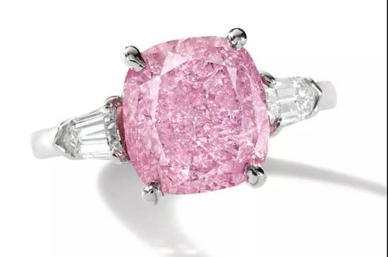 粉色钻石及钻石戒指