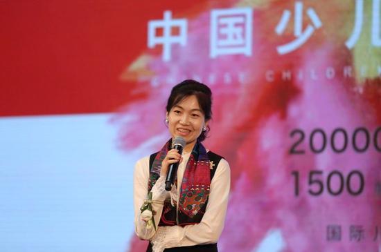 中央美术学院副教授、中国少儿美育双年展学术主持郑勤砚博士