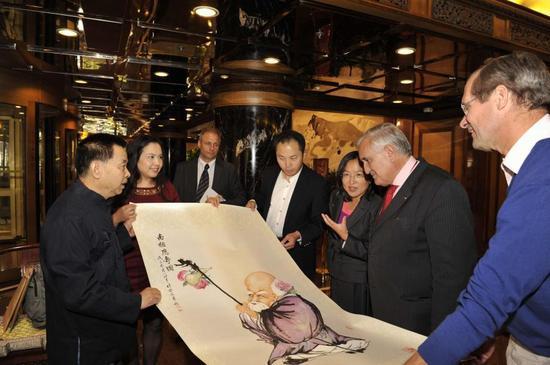 法国总理拉法兰收藏江苹作品《寿星图》