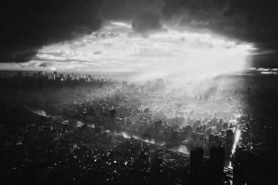 摄影师Zhaoting Wu拍摄的台风后的东京。 摄影师Zhaoting Wu拍摄的台风后的东京