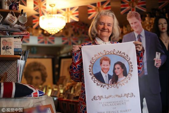 退休的慈善工作者Margaret Tyler收藏皇室纪念品已经40年了