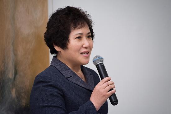 京师远望实业发展有限公司财务总监骆莹在开幕式上致辞
