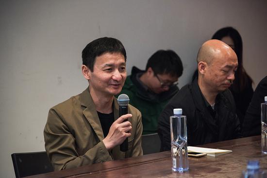中国批评家联盟秘书长、批评家杨卫在研讨会上发言