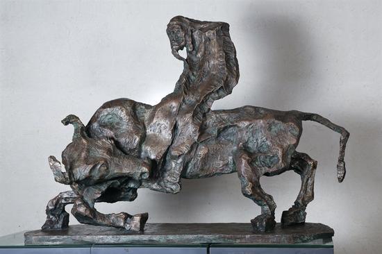 吴为山雕塑《紫气东来——老子出关》 青铜 作于2012年