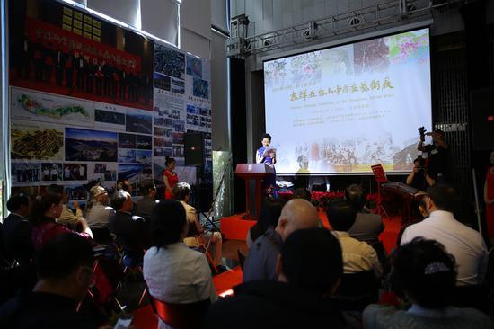 """""""吉祥五台山——中国画艺术展""""于北京人美美术馆开幕。"""