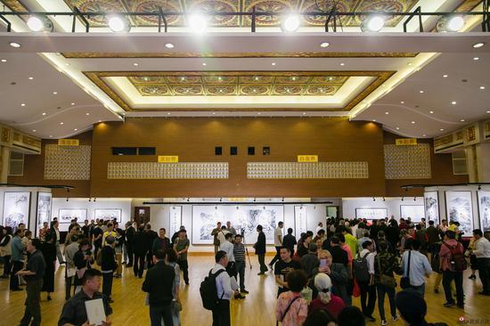 再现六祖惠能大师的传奇一生的画展在上海拉开帷幕