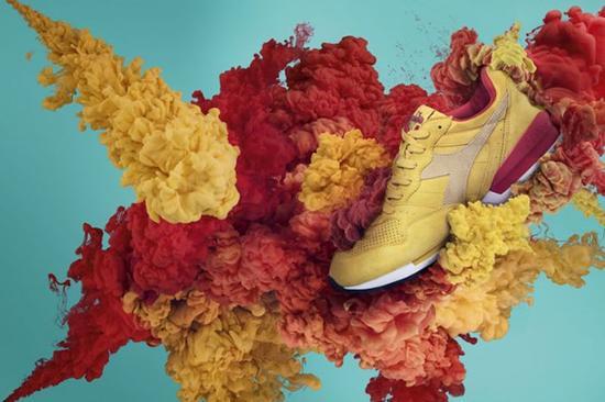 《迪亚多纳运动鞋》 摄影师:Neal Grundy(英国)