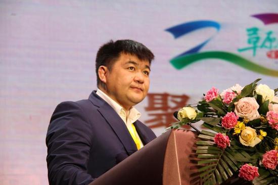 蒙古国科学院历史,考古分院院长斯 朝伦教授致贺词
