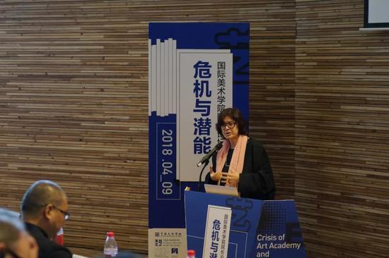 主讲人:新加坡南洋理工大学当代艺术中心CCA创始主任乌特·梅塔·葆尔(Ute Meta Bauer)