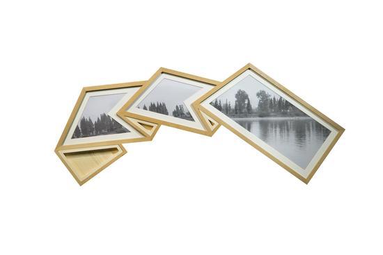 张辽源,《七桥边上》,艺术微喷、玻璃、榉木框,13×5.4×0.34cm,2017