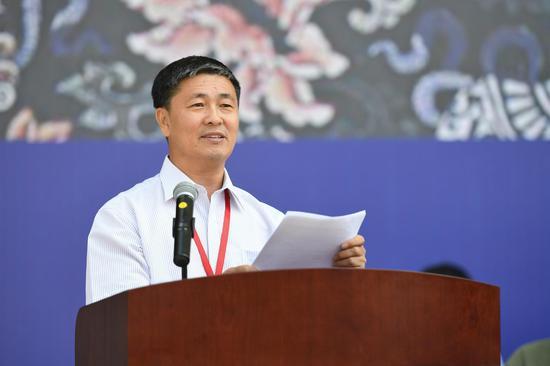 吉林师范大学党委副书记、校长杨景海主持开幕式
