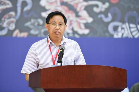 吉林省美协副主席兼秘书长孙维国致辞