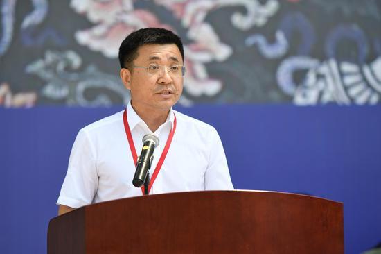 吉林省委宣传部常务副部长、吉林省文联党组书记董维仁致辞