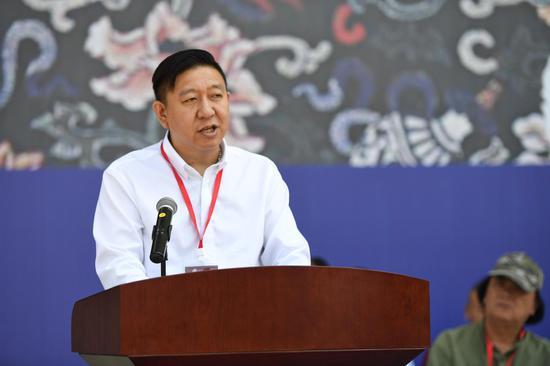 中国美术家协会活动管理处处长杜松儒致辞