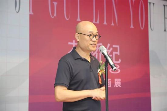 本次展览学术主持、桂林市油画艺委会主任肖瑶宁致辞